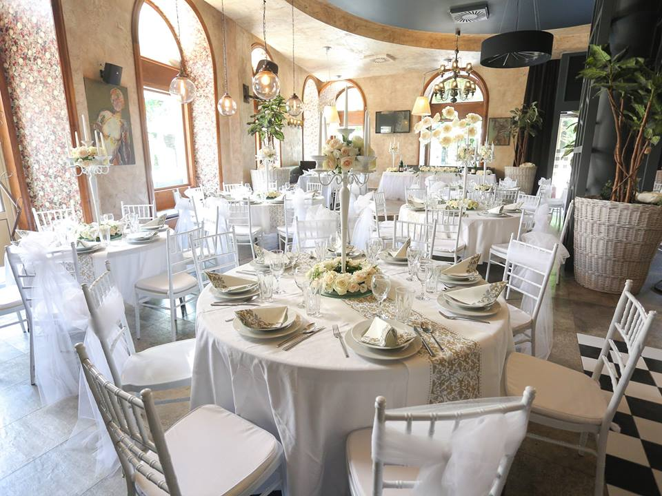 tiffany stolice,chiavari stolice,bele tiffany stolice
